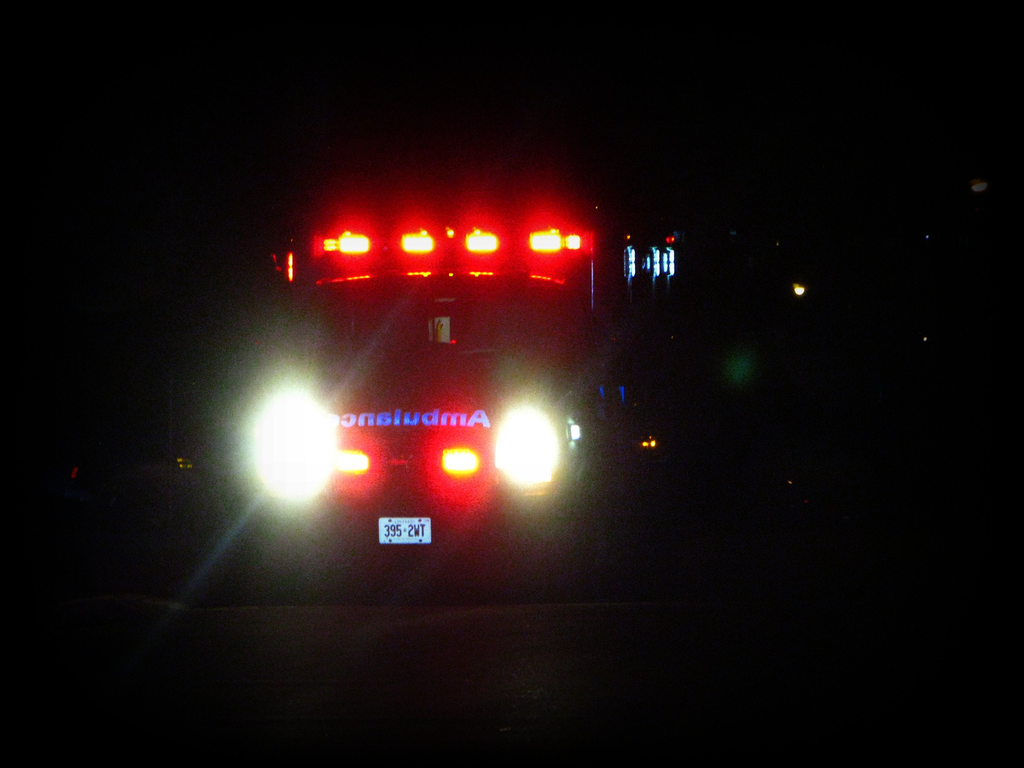 Ambulance_dark_1.jpg
