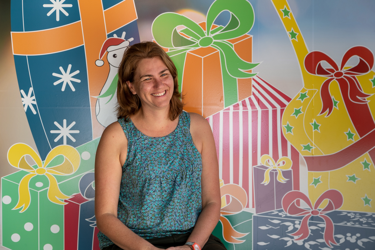 Caloundra_artist_Grace_with_her_Christmas_shop_design2.jpg
